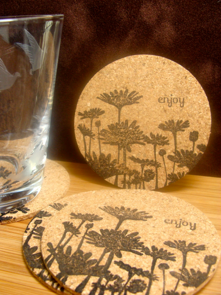 Ic330 easy upsy daisy coasters 4 coasters by for Cork coasters for crafts